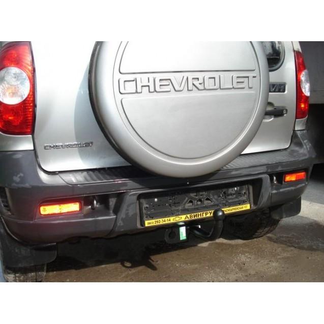 Фаркоп на ВАЗ 2123 Chevrolet Niva